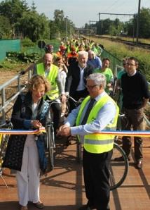 Inga Verhaert en Ronny Kruyniers openen fietsostrade in Ekeren